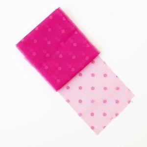 Cinta de tul con adornos Topo color Fucsia