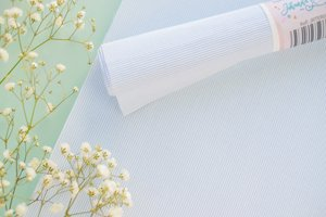 Tela de encuadernar 30x50 cm Johanna Rivero Rayas textura azul bebé